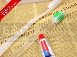 Одноразовые нейлоновой щетиной зубная щетка / Гостиница / зубной щетки зубная щетка для взрослых/устройства с возможностью горячей замены