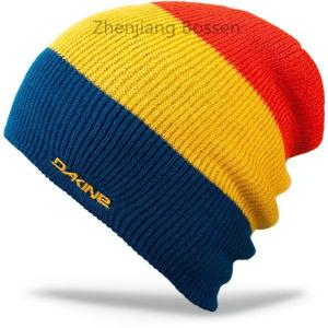 OEMの農産物の安いアクリルはWhinterによってカスタマイズされる縞で飾られた無能の帽子を遊ばす