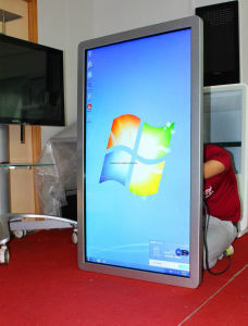 O Windows Android Market IR monitor LED de tela de toque capacitivo painel LCD