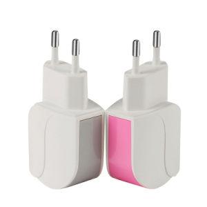 Nuevo precio barato 5V 2.1A USB de diseño de doble hoja Cargador de pared