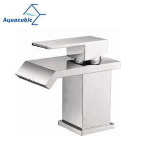 衛生製品の黄銅によってクロム染料で染められる浴室の洗面器のコック