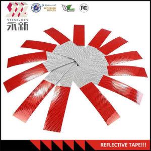 De rode en Witte Weerspiegelende Plakband van de Verkeersveiligheid