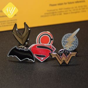 カスタム金属の鉄Pinの紋章のロゴ小型車BMWのバッジ