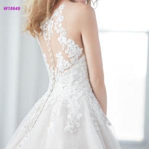 Herrliches Halter-Hochzeits-Kleid mit SpitzeAppliques über der Taille