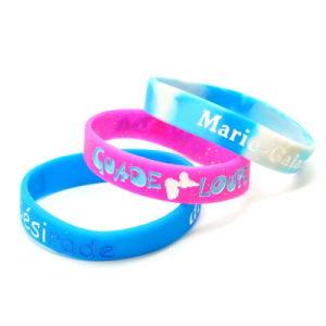 Il modo di vendita caldo della gomma di silicone mette in mostra la promozione dei capretti che fa pubblicità al braccialetto del Wristband del regalo
