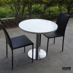 Твердая поверхность глянцевая закусочную, обеденный стол со стульями