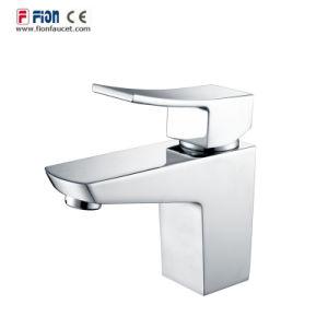 新しいモデルの単一のレバーの真鍮の洗面器のミキサーの洗面器のコック(F-9519)