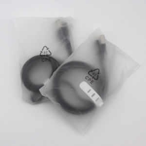 平らなヌードルの形マイクロUSBの充電器データ同期信号ケーブル