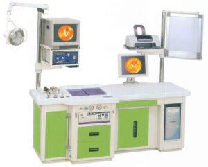 Examen de la station impair ent Machine de traitement avec l'Orl projecteur avant