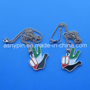 I UAE Victory Hand Pendant Necklace Charm per 44 National Day