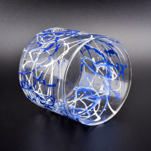 Hand die de Duidelijke Containers van de Kaars van het Glas schilderen