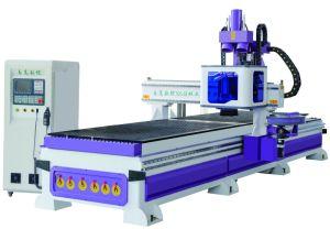 パネルの家具のキャビネットの木工業の生産ラインAtc CNC木ルーター