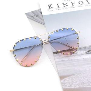 2020 Óculos óculos de metal de PC coloridas mulheres óculos de moda para óculos de sol óculos de sol