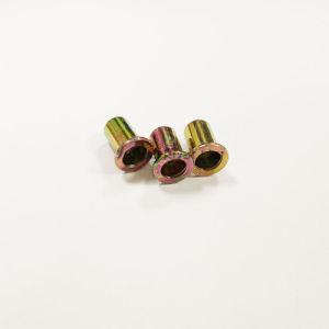 Noix de rivet d'acier du carbone M6 avec la tête plate