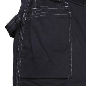 Il carico dei nuovi uomini di disegno mette i pantaloni in cortocircuito di scarsità resistenti del lavoro
