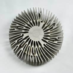 銅によって削られるひれ脱熱器(HS-001)