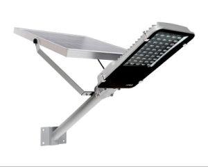 La energía solar en una calle luz LED Lámpara de jardín patio al aire libre