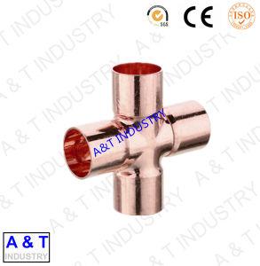 Raccord en croix 4 contacts en cuivre du raccord de tuyau de pièces