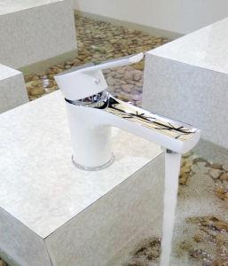 衛生製品はハンドルの洗面器のミキサーM-0042を選抜する