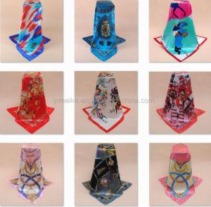 Stock Fancy famosa praça de seda impressos cachecóis 90*90 cm