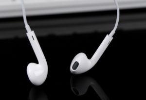 100% Original auriculares auriculares para iPhone6/7/7 plus con control de volumen de micrófono