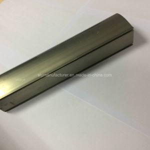 Quadrato, profilo rotondo e differente dell'espulsione della lega di alluminio per il portello e tubo 110 della finestra