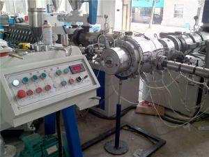 El tubo de plástico varios drenaje tubería de PVC tres capas que hace la máquina