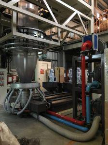 自動巻取り機が付いている安定した出力プラスチックフィルム吹く突き出る機械