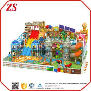 El Equipo de Parque de atracciones y los niños patio interior