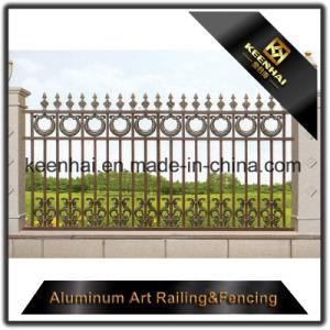 庭の装飾のための屋外の装飾的なアルミニウム金属の鋳鉄の塀の装飾