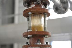 الزيت مأخذ من تجهيز لأنّ يعالج نفاية بلاستيك أن يزيّت