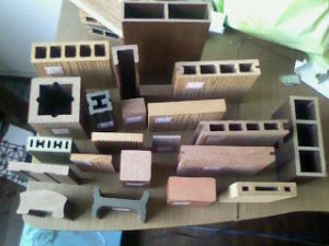 O composto de plástico, materiais de madeira deck composto