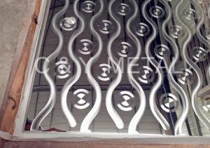 Salable 304 feuilles en acier inoxydable décoratifs, miroir avec de multiples motifs laser