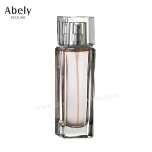 Eindeutig bestellte Glasduftstoff-Flasche mit Entwerfer-Duftstoff voraus