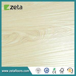 Tecnología Alemana de 12 mm resistente al agua relieve del suelo de madera laminada AC4 OEM