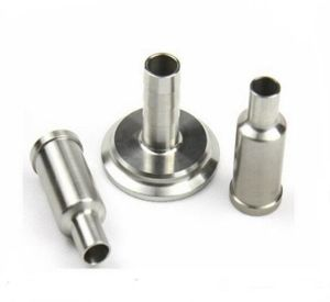 Parte de usinagem CNC com alumínio e latão ou aço inoxidável.