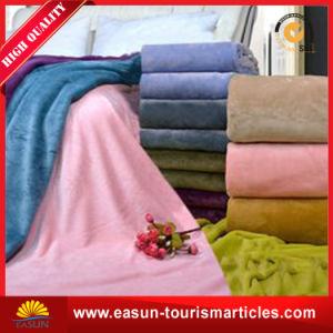 ドバイの卸し売り柔らかい印刷のフランネルの羊毛のキャンプのピクニック毛布
