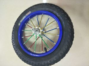 12 Zoll-pneumatisches Rad-aufblasbarer Reifen/Gummireifen für Kind-Fahrrad