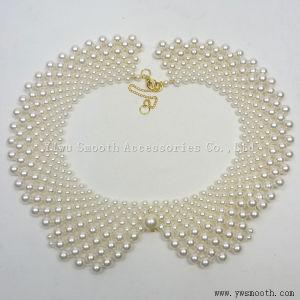 I collari delle perle copre il vestito dalle donne del Choker del collo del testo fisso dei branelli di Appliques