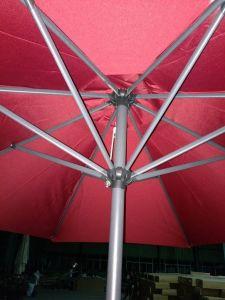 En el exterior de la playa de parasol de aluminio de 2,7 millones de patio jardín recta paraguas