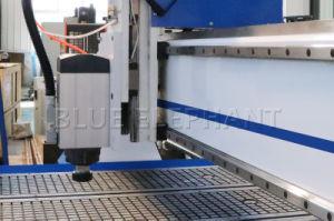 大型の1550 3軸線3Dの木工業CNCのルーターの木製の切り分ける機械