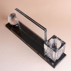 オフィスの文房具のための水晶ペンのホールダーの水晶時計
