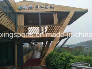 Short due variopinti della sede della mobilia di vendita della Tabella del banco di legno coperti e disposizione dei posti a sedere di giardino esterna del piccolo portico d'angolo della parte esterna