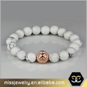 Kundenspezifischer Goldlöwe-Kopf-Edelstein-bördelt wulstiger Lava-Stein Armband