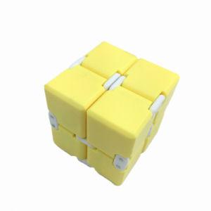 Снятие напряжений дешевые стол играть до бесконечности Fidget вращателя Cube игрушка