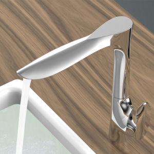 ハンドルの単一の穴の真鍮の台所コックを選抜しなさい