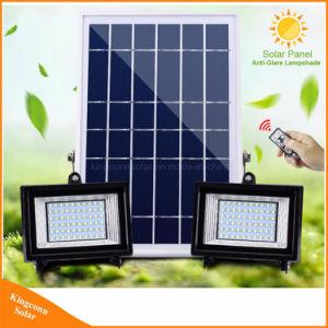 2つのヘッド太陽動力を与えられたフラッドライト屋外LEDのスポットライトの壁ランプ