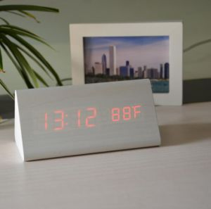 LEDの木製のクロック電子クロック木製のクロックホームクロック