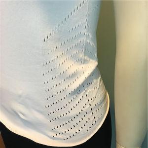 Weiße Karosserien-Form-nahtloses T-Shirt