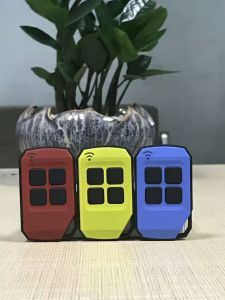 Лучшая цена 1-4 кнопки пластмассовые дублировать гараж пульт дистанционного управления 433МГЦ RF2129 Universal пока еще не